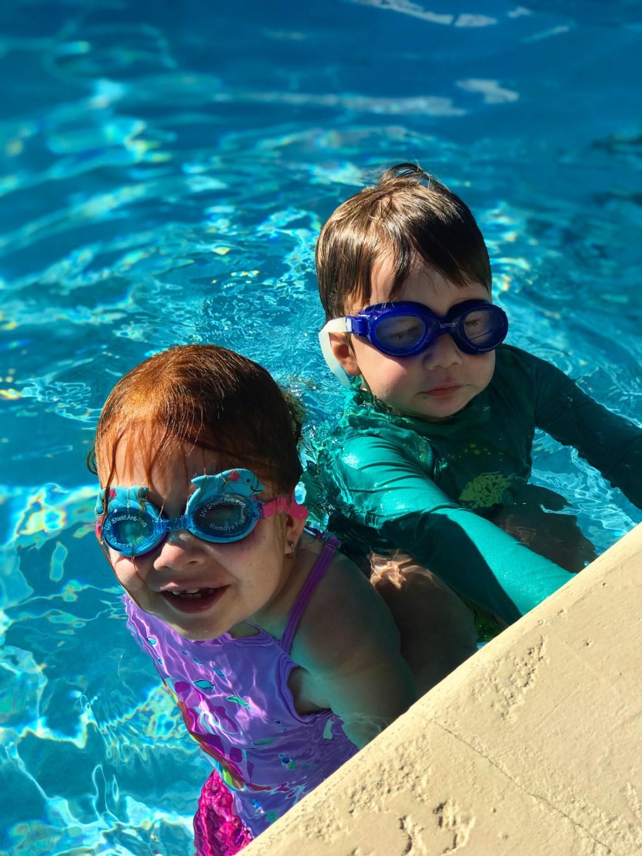 kids in Miami, raising kids in Miami, kids swimming, kids in a pool