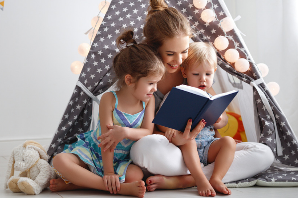Promoting Literacy During Infancy Can Help your Baby's Development