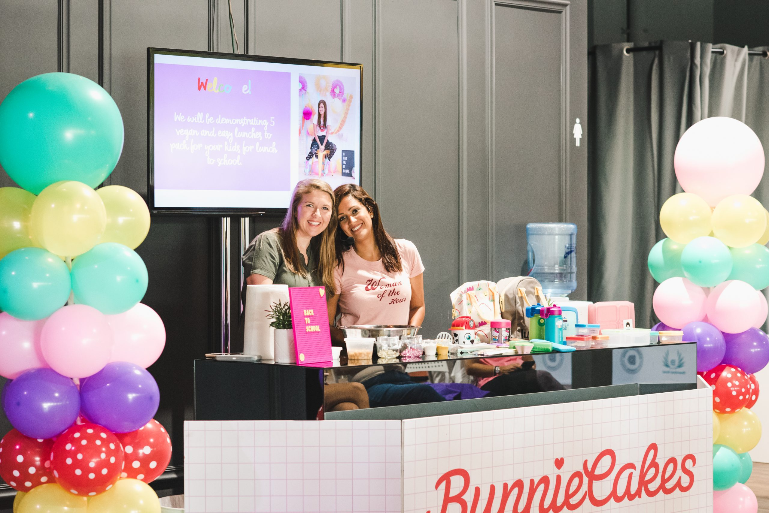 MIAMI MOMS BLOG DOWNTOWN DORAL BUNNIE CAKES
