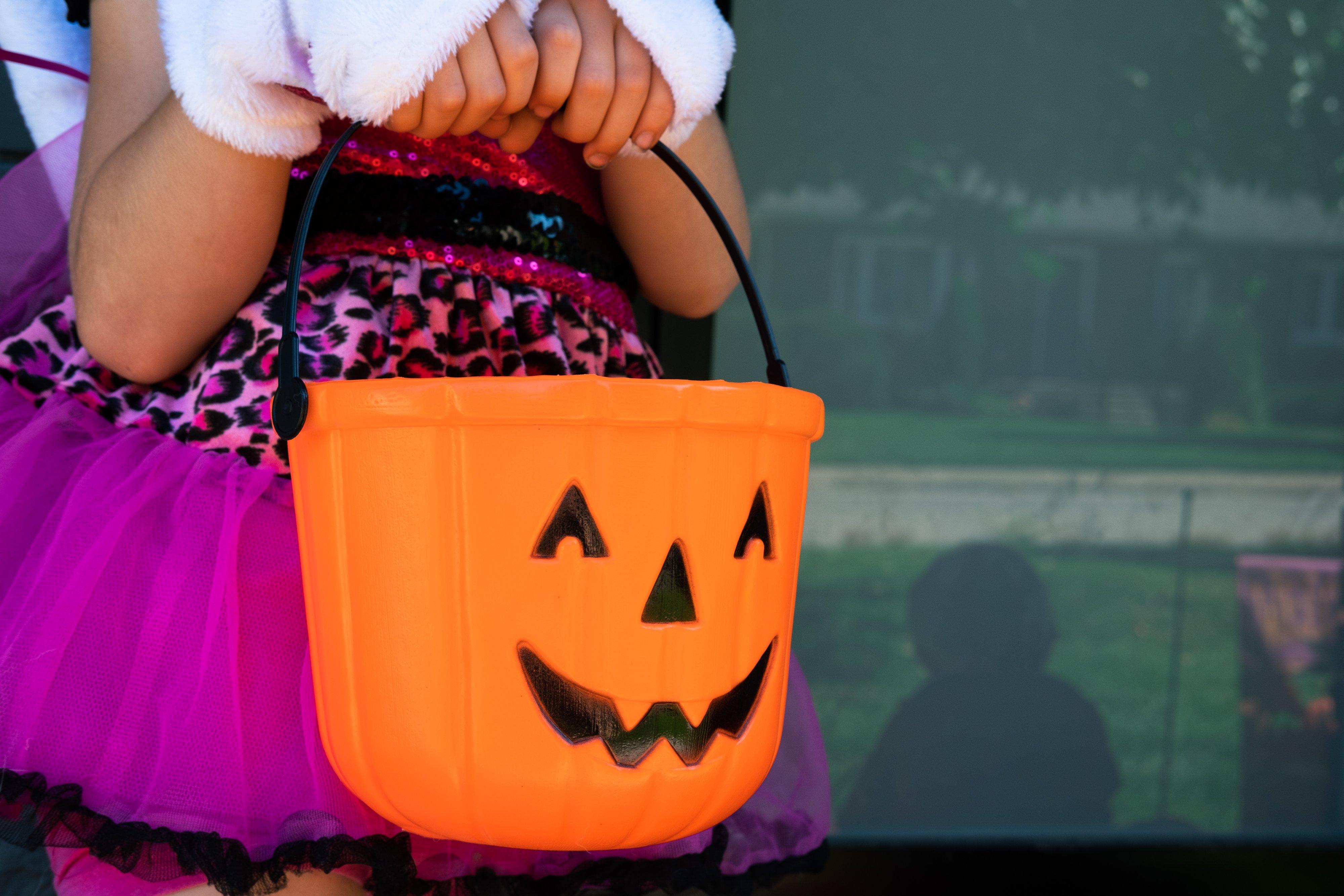 Sugar & Cavity Prevention: Ask Dr. Bob About Halloween Candy Lynda Lantz Contributor Miami Moms Blog