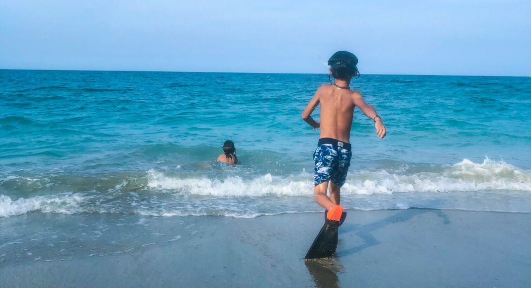 3 razones para viajar en auto a Hutchinson Island con los niños Caro Mejia Contributor Miami Mom Collective