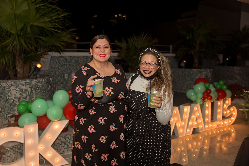 Deck The Walls Event Recap: Holiday Wreath Making Miami Mom Collective