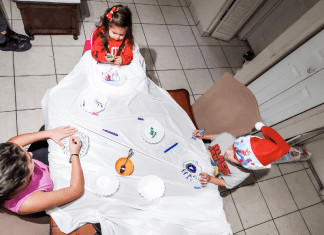 Christmas Crafts: 8 Affordable Crafts for the Whole Family Minerva Roca Contributor Miami Mom Collective