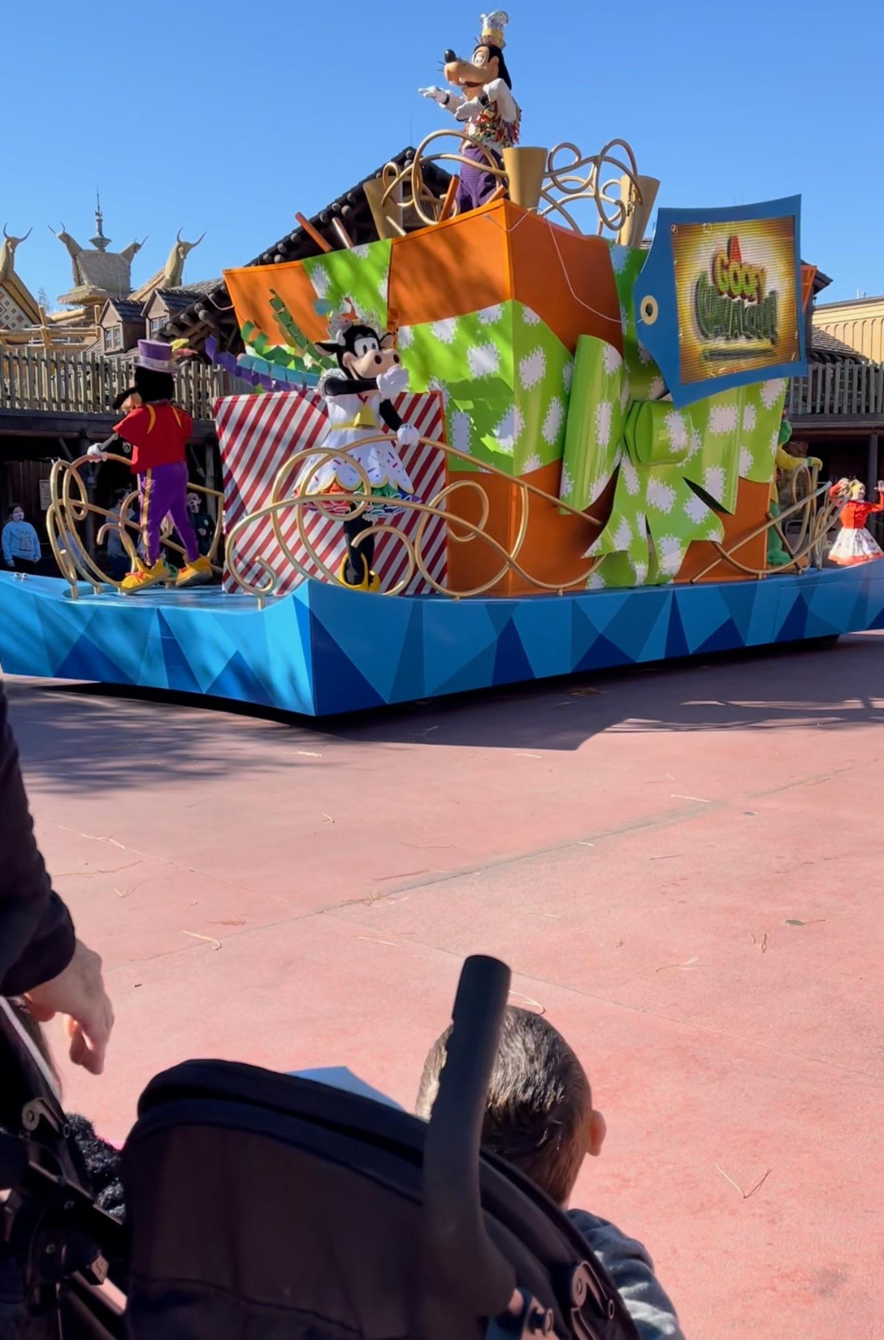 Disney Guide miami mom collective Becky Salgado cavalcades
