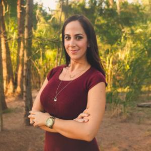Angie Irizarry Headshot Contributor Miami Mom Collective