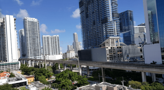 A view of the Brickell and Downtown skylines (Love Where You Live: Brickell & Downtown Miami Minerva Roca Contributor Miami Mom Collective)