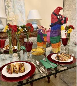 Tablescape for Cinco de Mayo (Cinco de Mayo: 3 Unusual Taco Combinations Your Family Will Love Meredith Kallaher Contributor Miami Mom Collective)