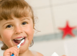 A little girl brushing her teeth (Dr. Bob Unflavored Toothpaste: Sustainable, Fluoridated Cavity Prevention Lynda Lantz Contributor Miami Mom Collective)