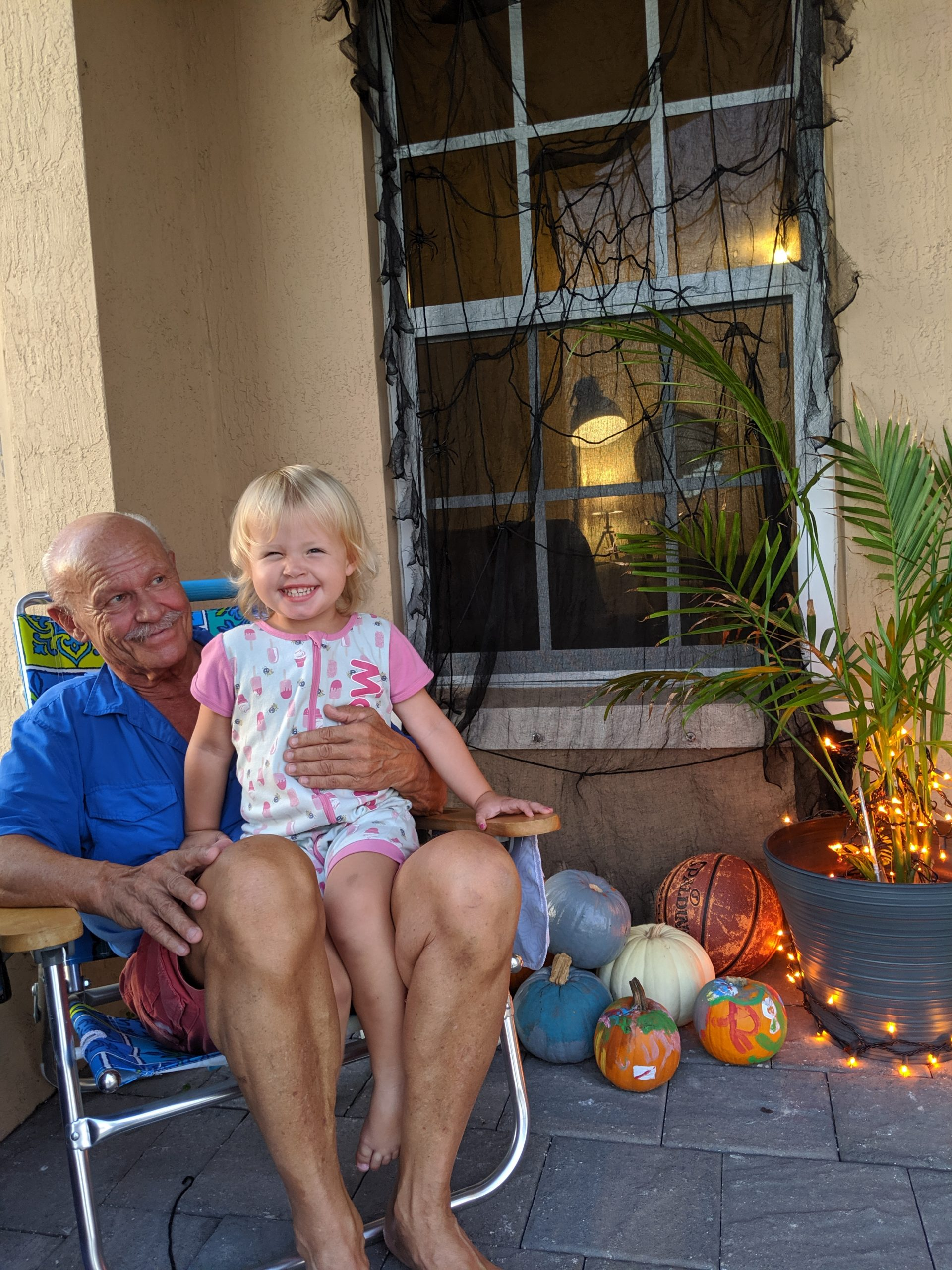 Rachel's dad with her daughter (Rachel Hulsund Contributor Miami Mom Collective)
