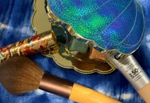 Summer Makeup Trends for Moms: Let it Glow