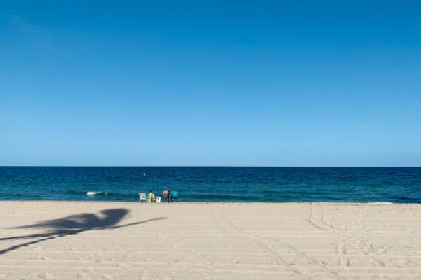 The shore at Pompano Beach (Jessica Alvarez-Ducos Contributor Miami Mom Collective)