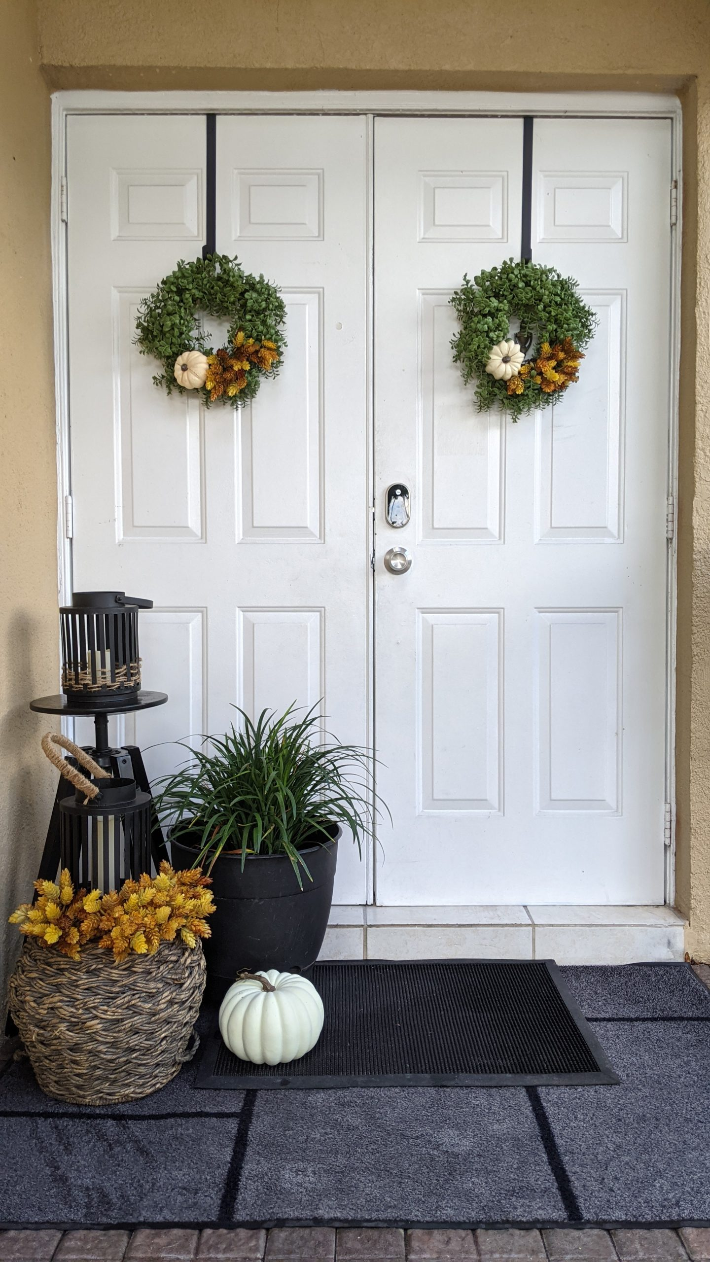 Image: Fall wreaths and decor outside Rachel's front door (Get the Fall Feeling in Miami Rachel Hulsund Contributor Miami Mom Collective)